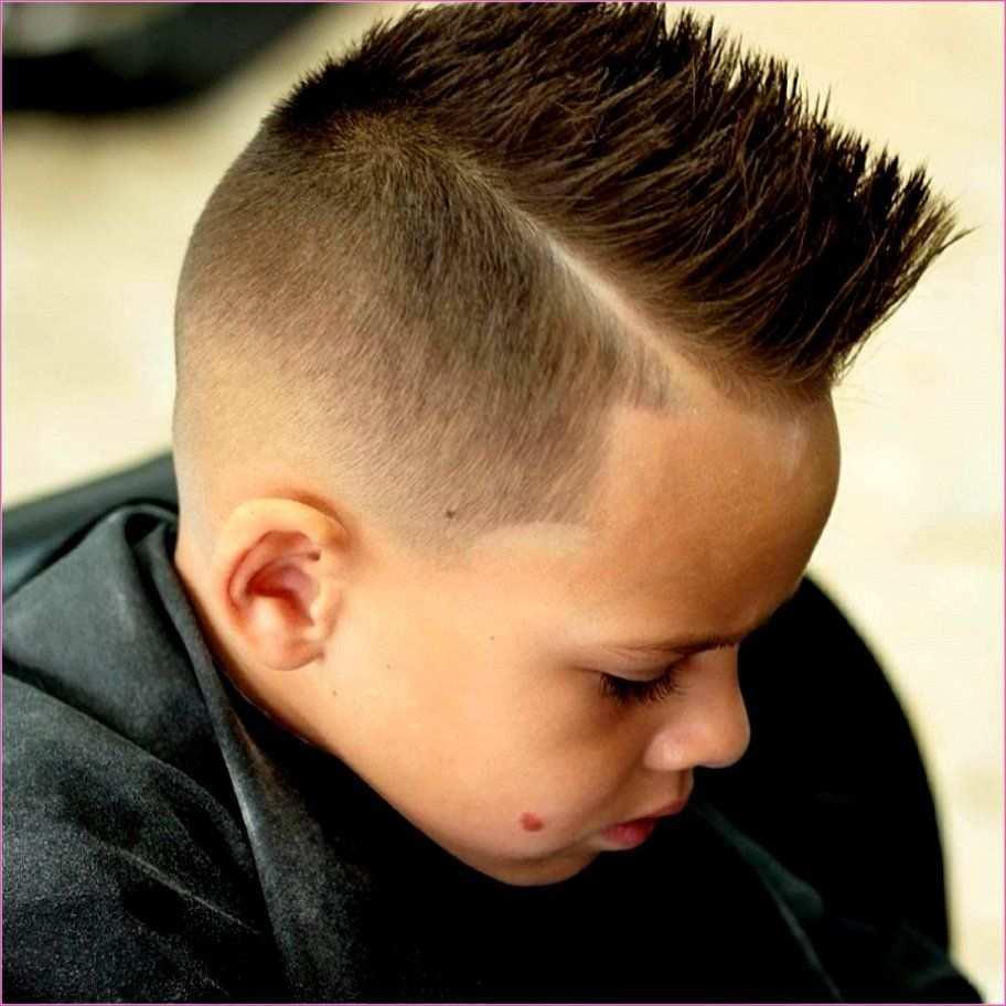 Susse Frisuren Fur Kleine Jungs Versuchen Im Jahr 2019 Stilvolle Frauen Jungs Frisuren Jungs Haarschnitte Kinder Haarschnitt Jungs