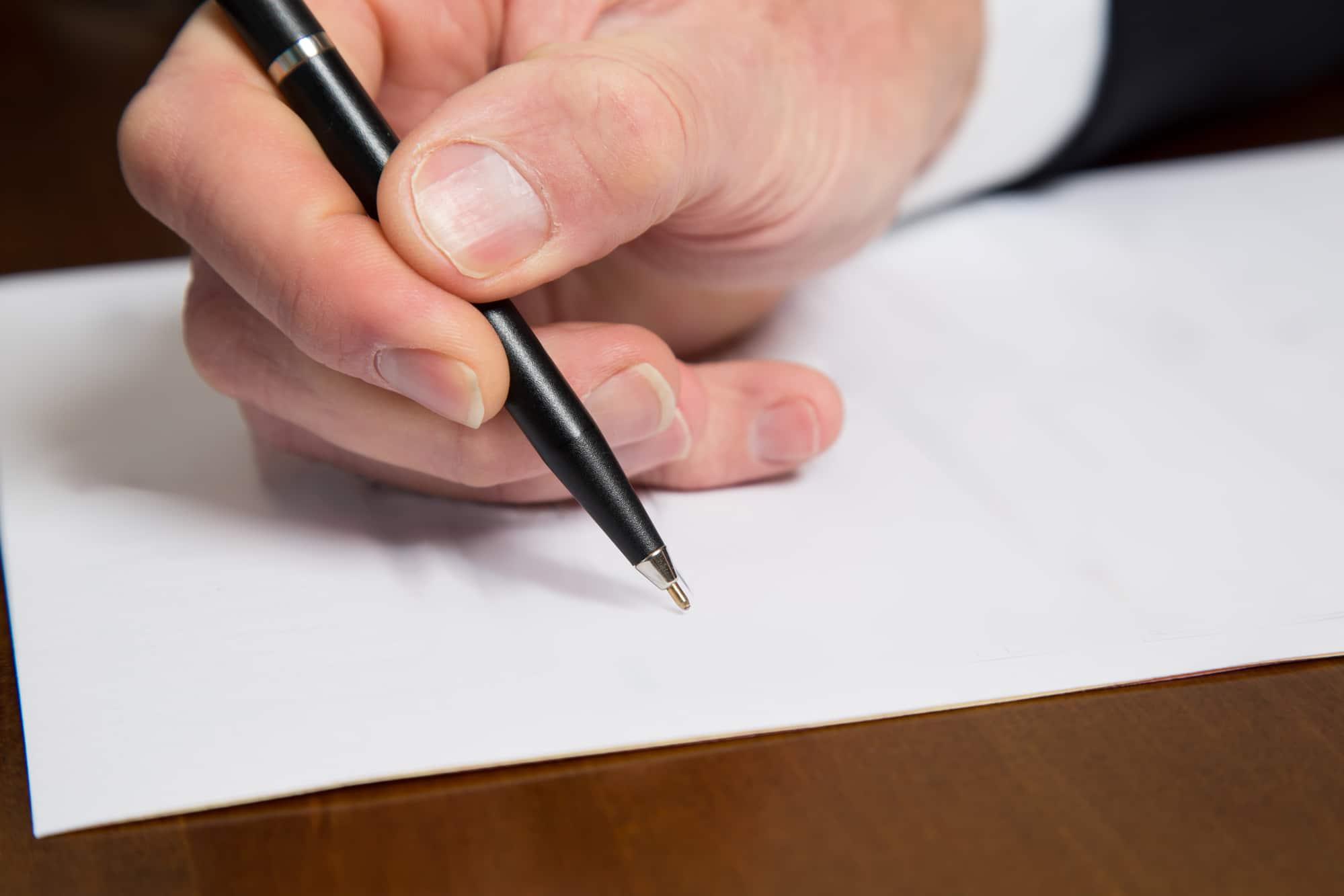 Kondolenzschreiben 5 Vorlagen 8 Tipps 20 Trauerspruche Fur Beileidskarten