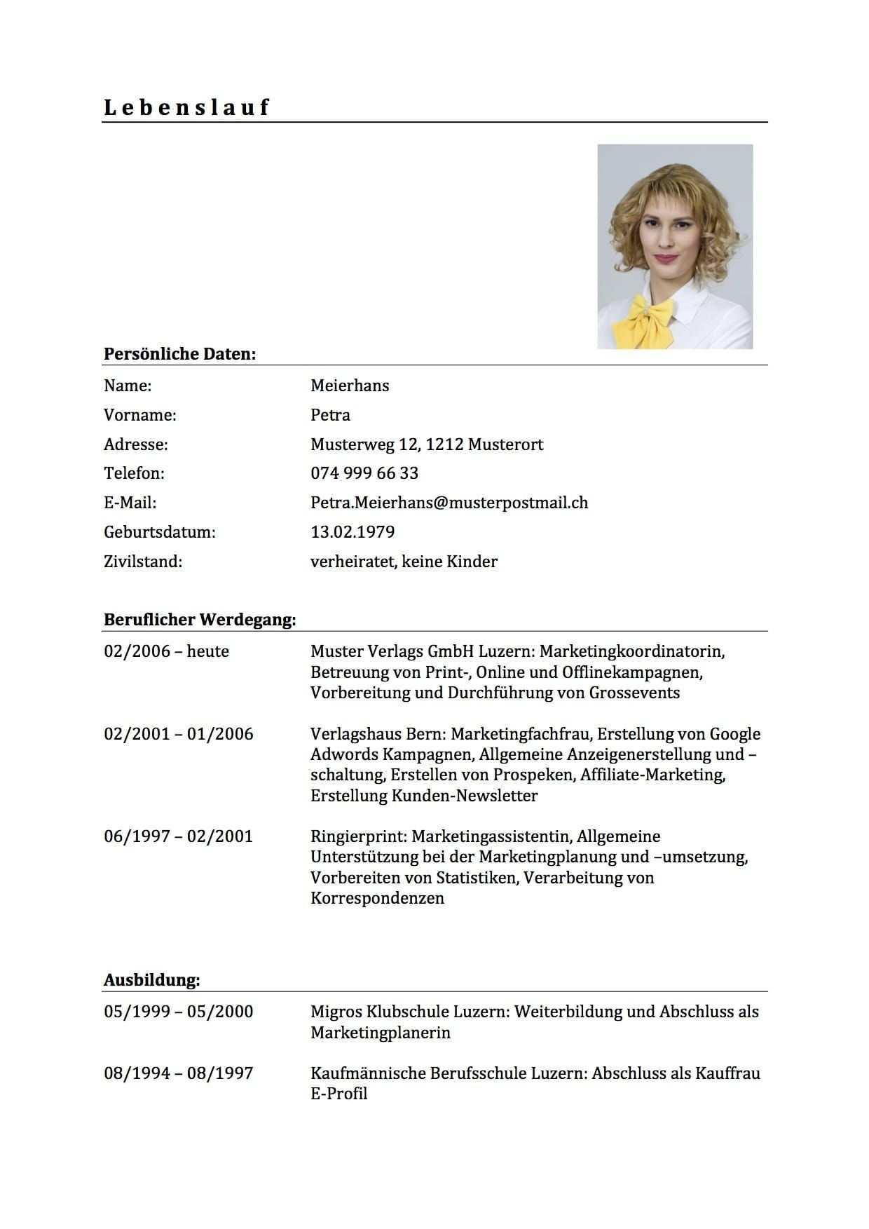 Download Lebenslauf Vorlage Muster Fur Deine Bewerbung Muster Vorlage Vorlage Lebenslaufmuster In 2020 Inspiration Design Curriculum Vitae