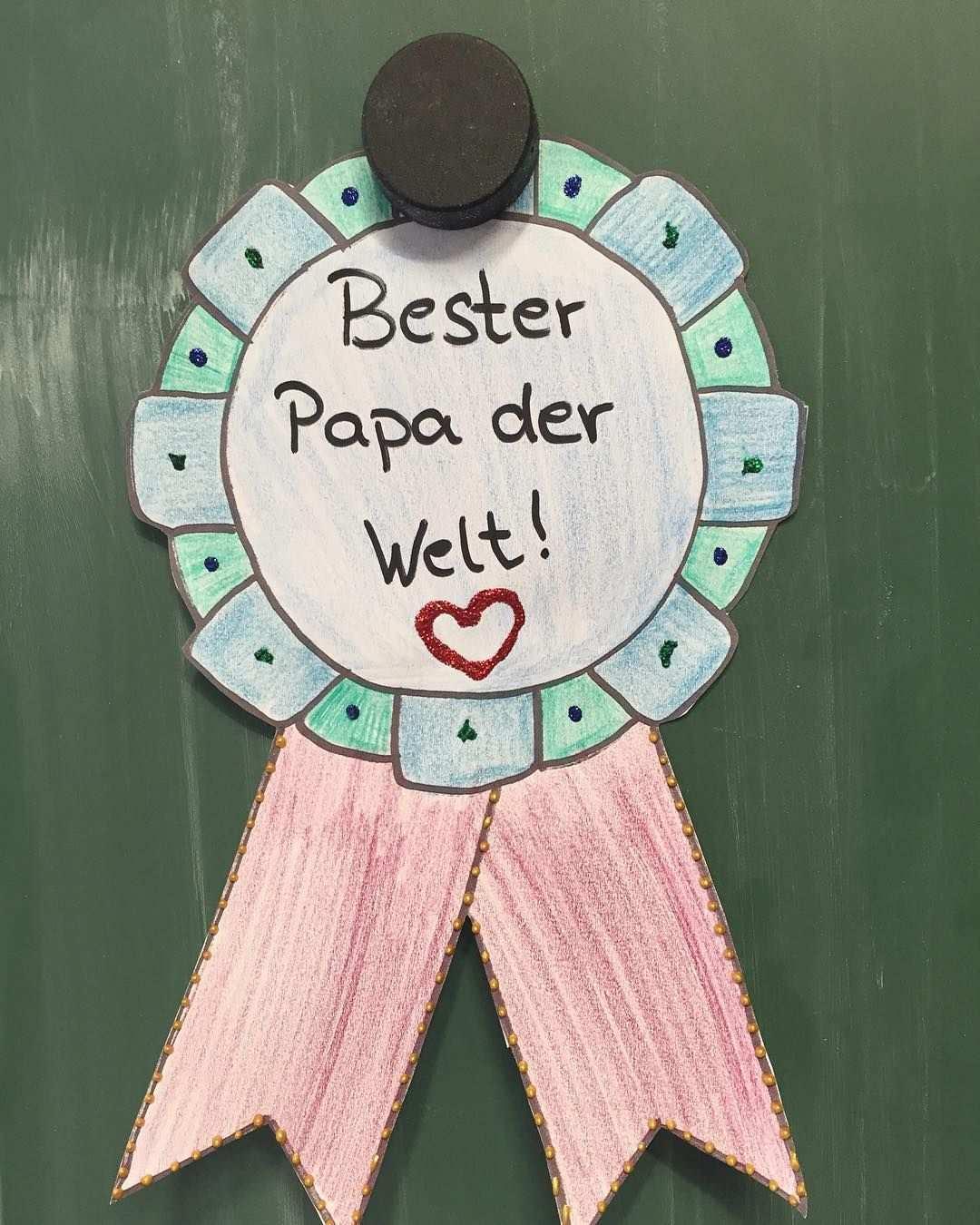 Wie Viele Andere Auch Haben Wir Ein Medaille Zum Vatertag Gebastelt Da Wir Morgen Sportfest Und Am Freitag Einen Bew Bottle Opener Wall Presents Perfect Party
