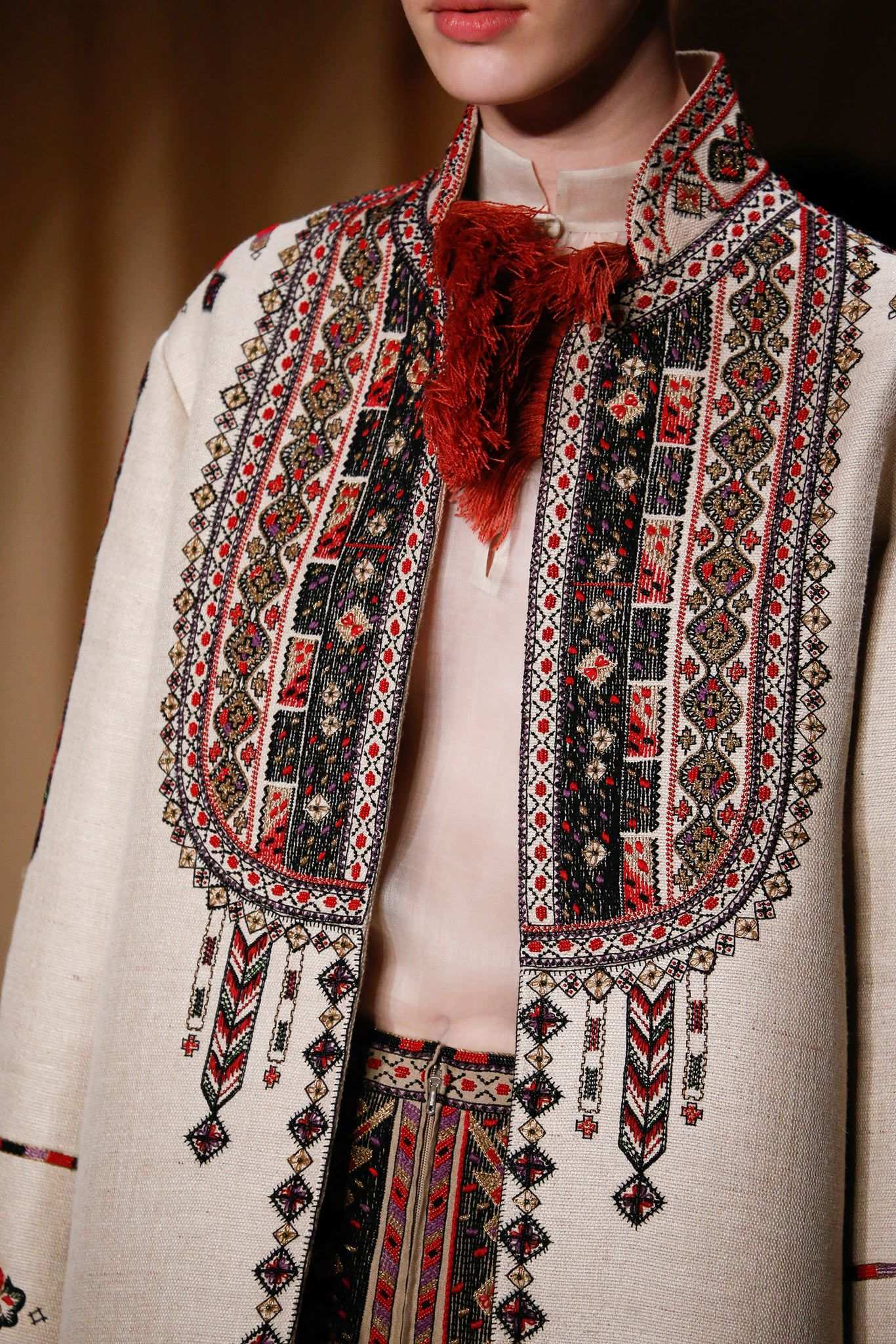 Valentino Spring 2015 Couture Details Gallery Style Com Couture Details Fashion Couture Fashion