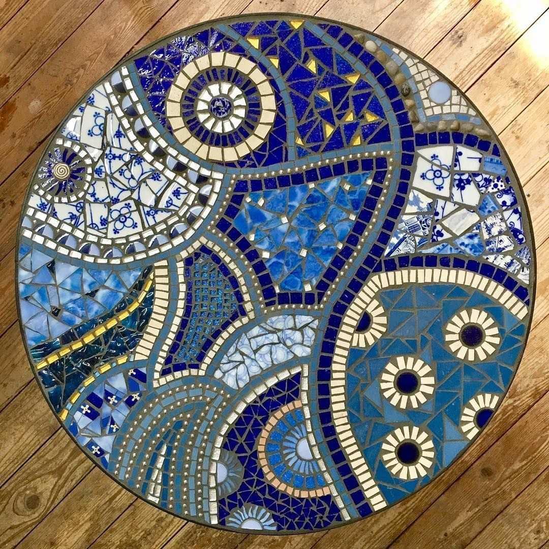 Tina Reisener Krick On Instagram Tisch Einer Kursteilnehmerin Mosaic Mosaik Mosaico Mosaics Mosaici Mosaique Blau Mosai In 2020 Mosaik Mosaiktisch Mosaik Diy