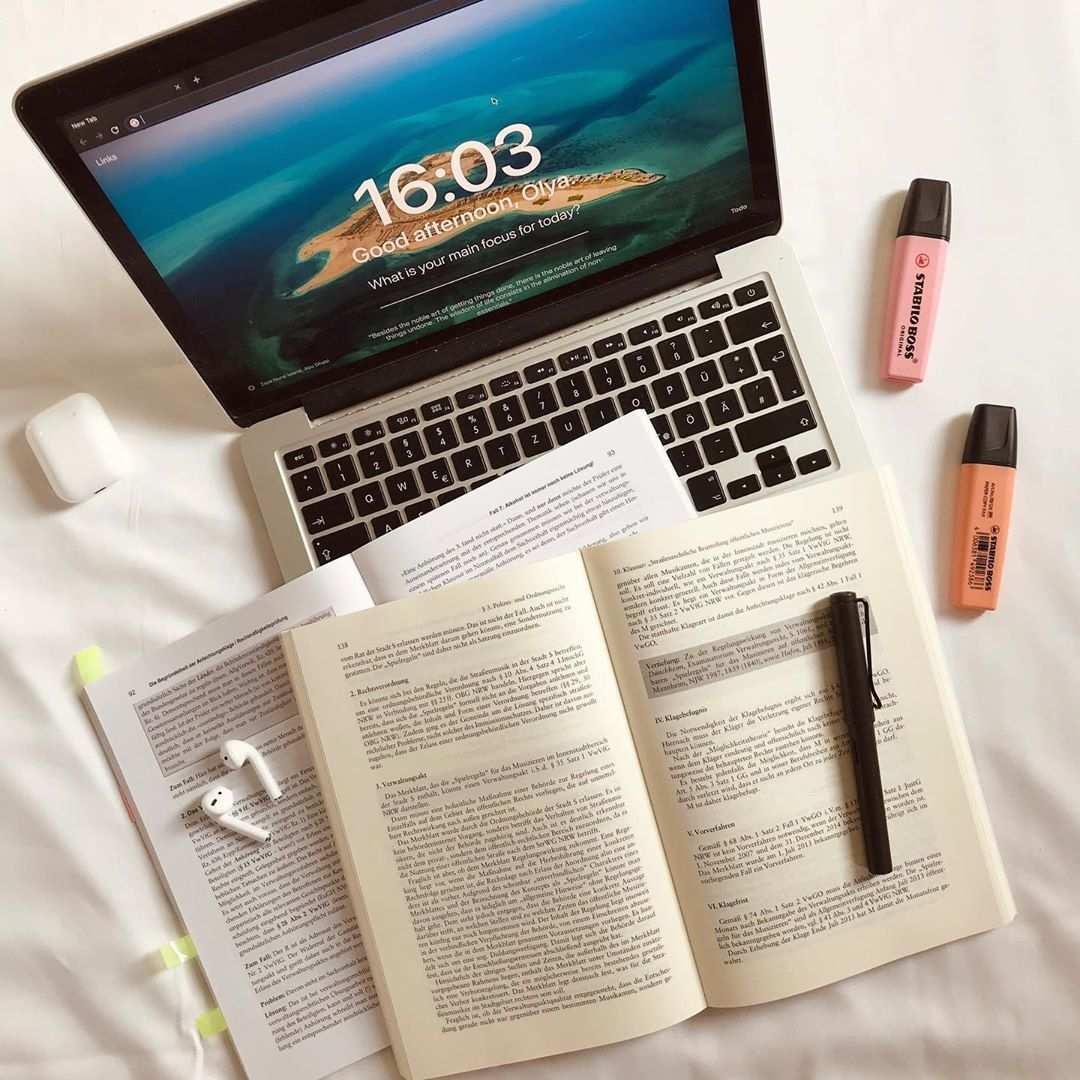 Studygram Law School Student On Instagram 15 10 2019 How Are You How Is Your Week So Far Studygram Stud Law School School Student Study Motivation