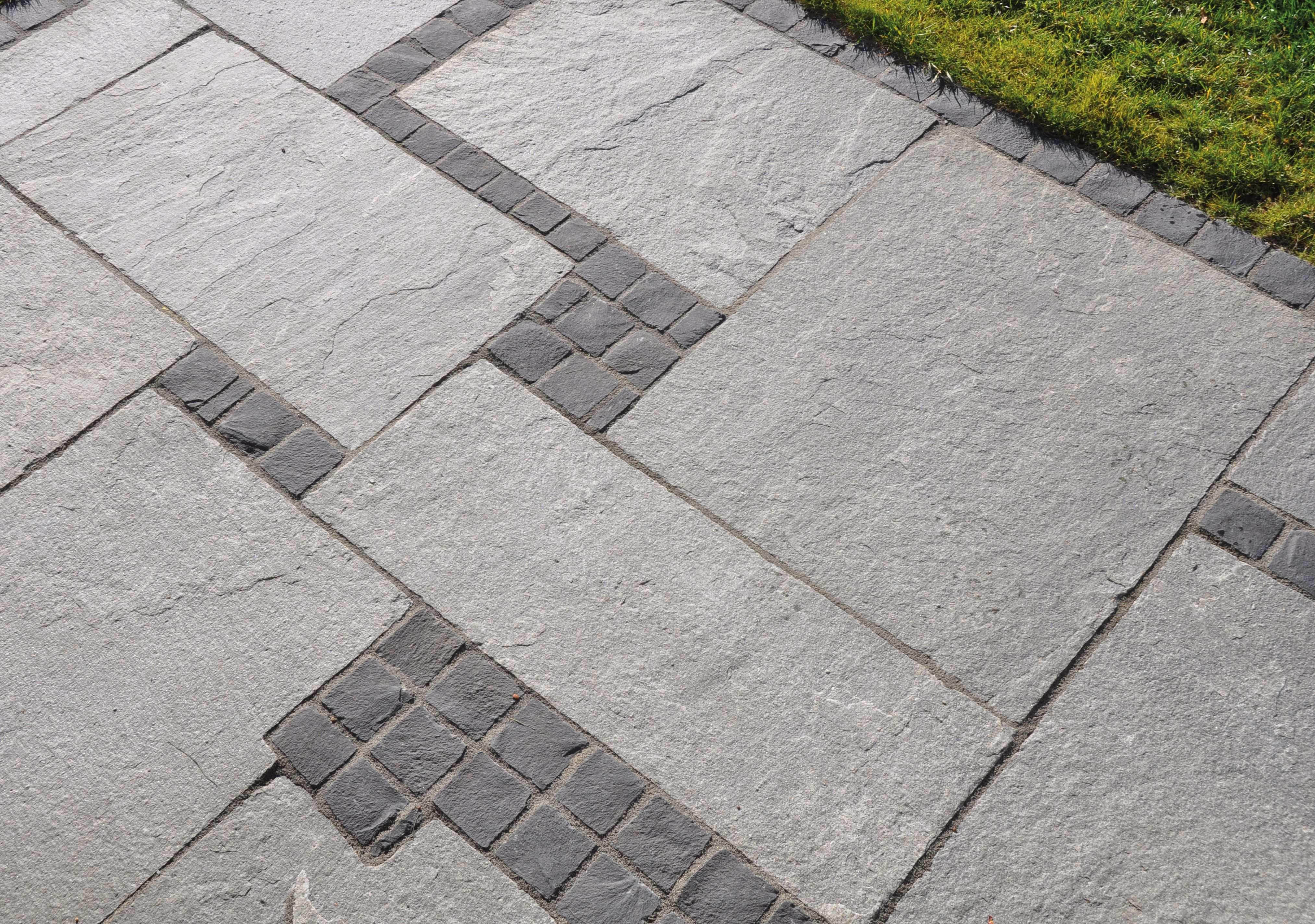 Ein Tolles Muster Kavala Quarzit Terrassenplatten Mit Passenden Blockstufen Der Griechische Quarzit Hat N Garten Fliesen Steinterrassen Naturstein Terrasse