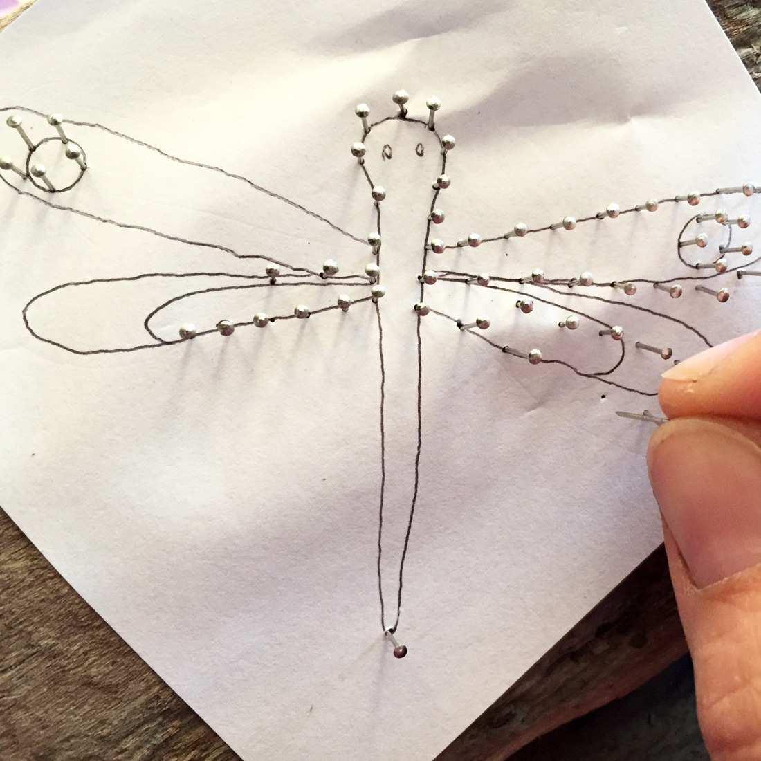 Treibholz Schlusselbrett Mit Libellen Aus Nageln Und Garn