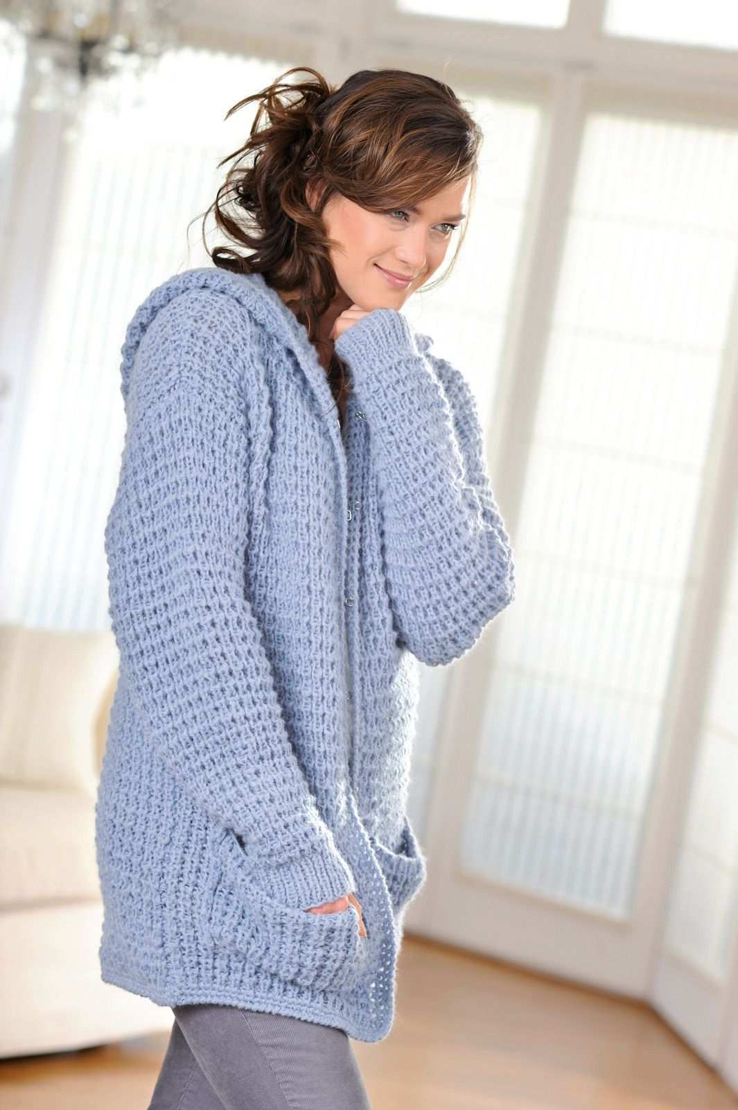 Gemutliche Kapuzenjacke Mit Taschen Kostenlose Strickanleitung Strickjacke Selber Stricken Pullover Stricken Kapuze Stricken