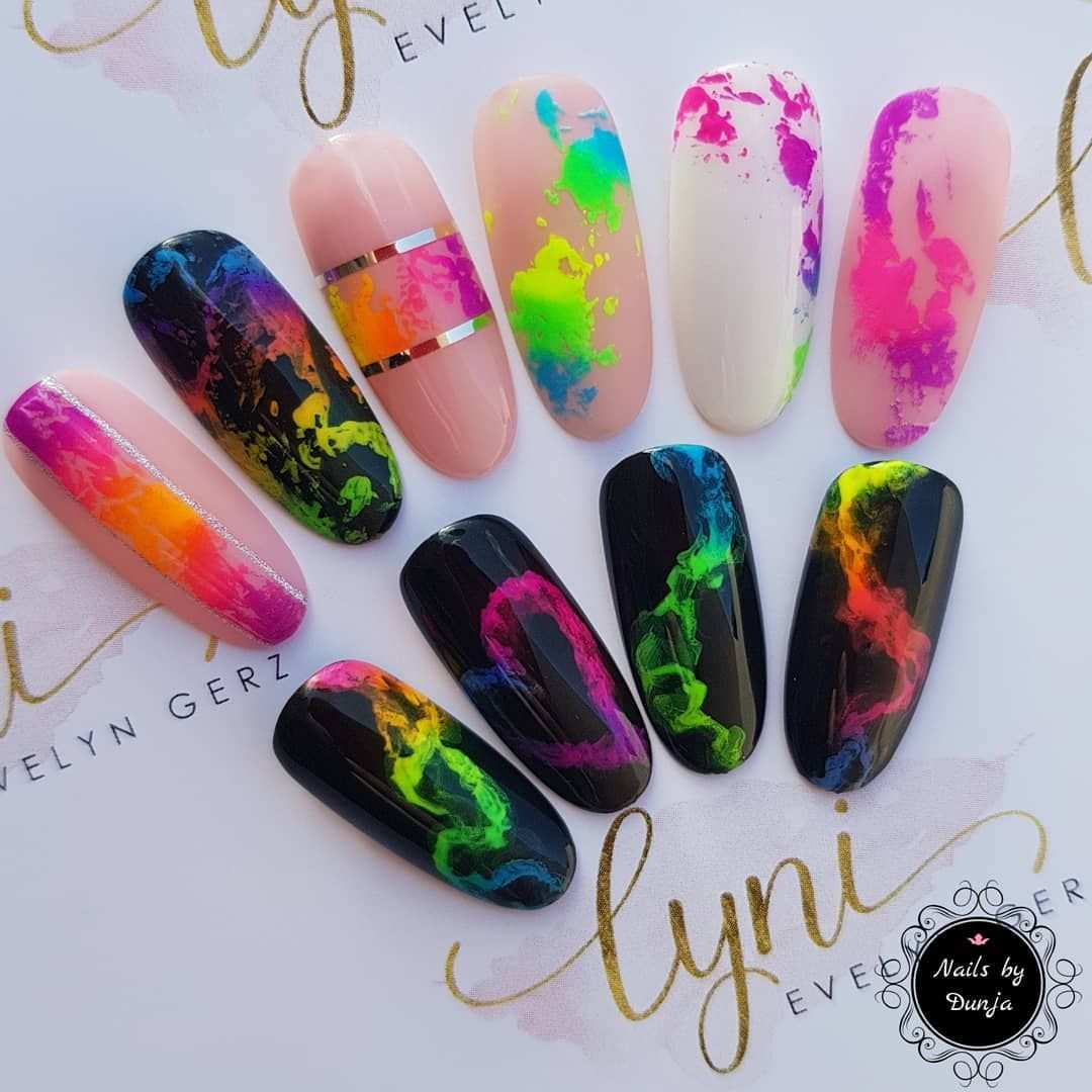 Werbung Kleine Desings Mit Der Aktuellen Lynibox Neon Fever Alle Produkte Von Lyninails Au In 2020 Manicure Nail Designs Paris Nails Christmas Nails Acrylic