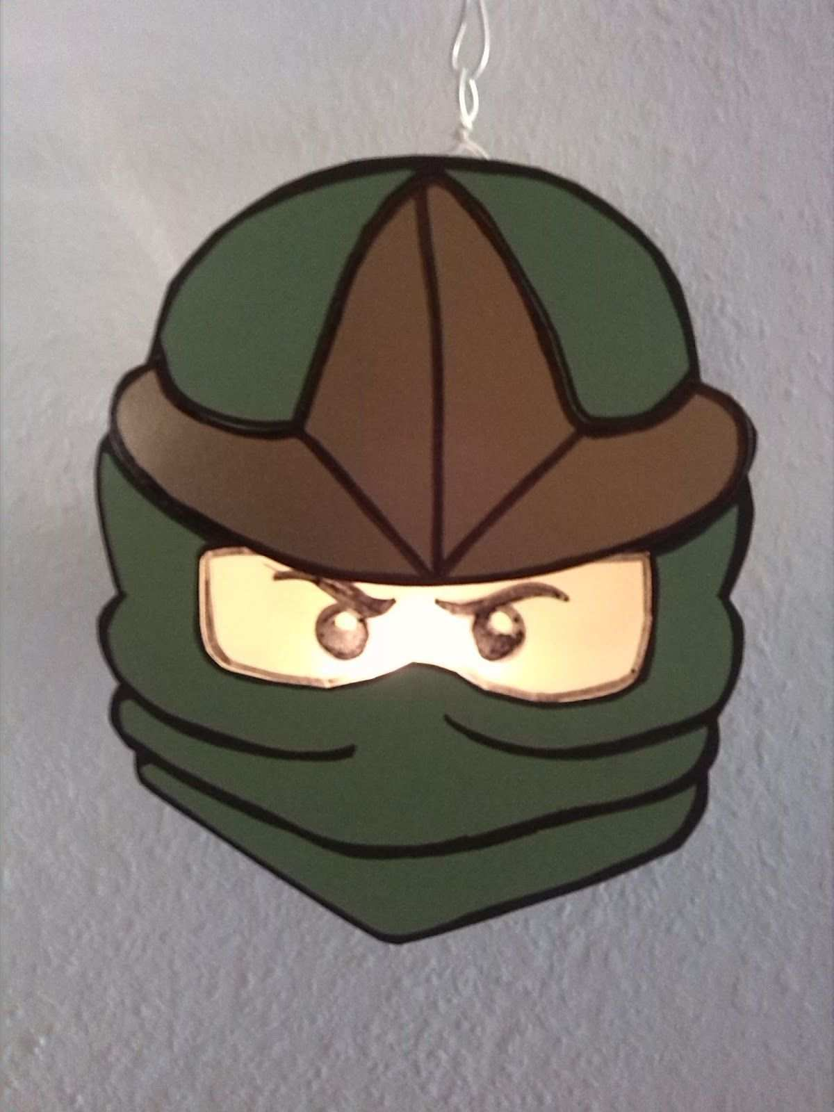 Hallo Zusammen Hier Wie Schon Angekundigt Die 2 Ninjago Laterne Was Br Laterne Basteln Vorlagen Laterne Basteln Anleitung Laternen Basteln