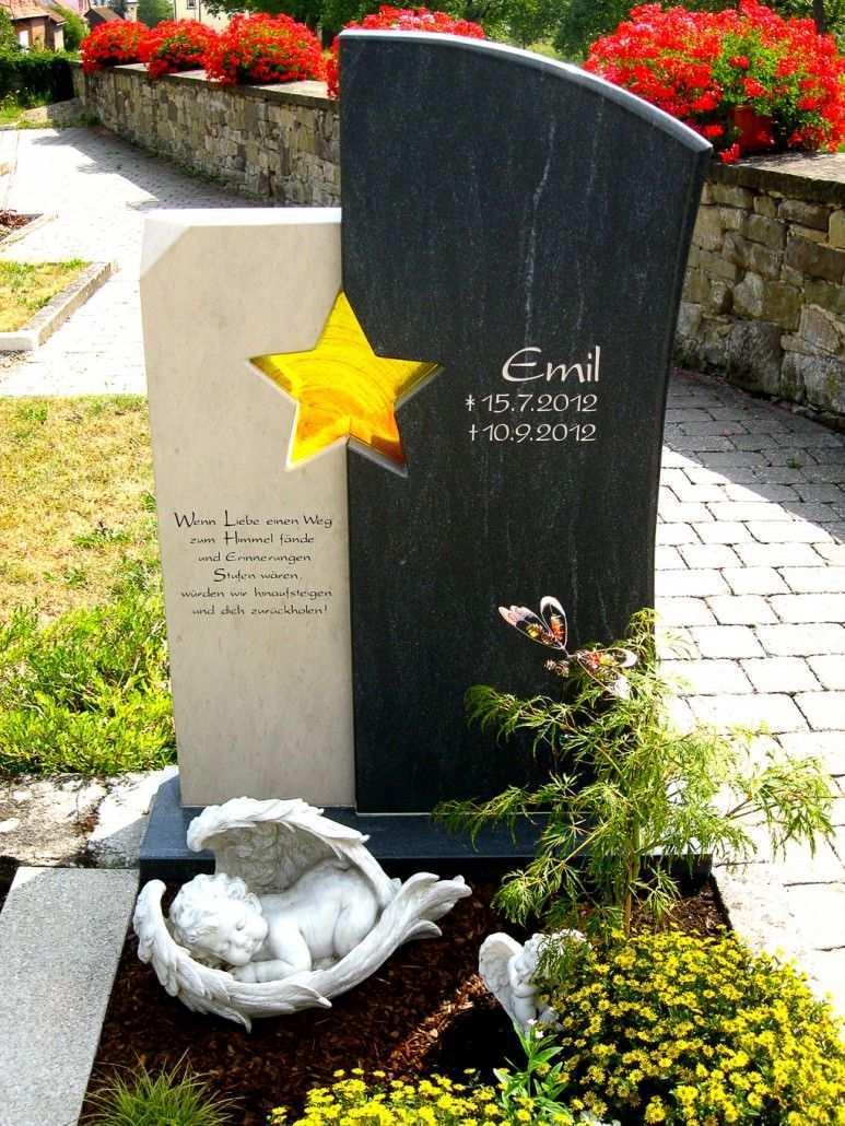 Referenzen Unserer Grabanlagen Einzelgraber Friedhofs Dekorationen Grabgestaltung Grabstein