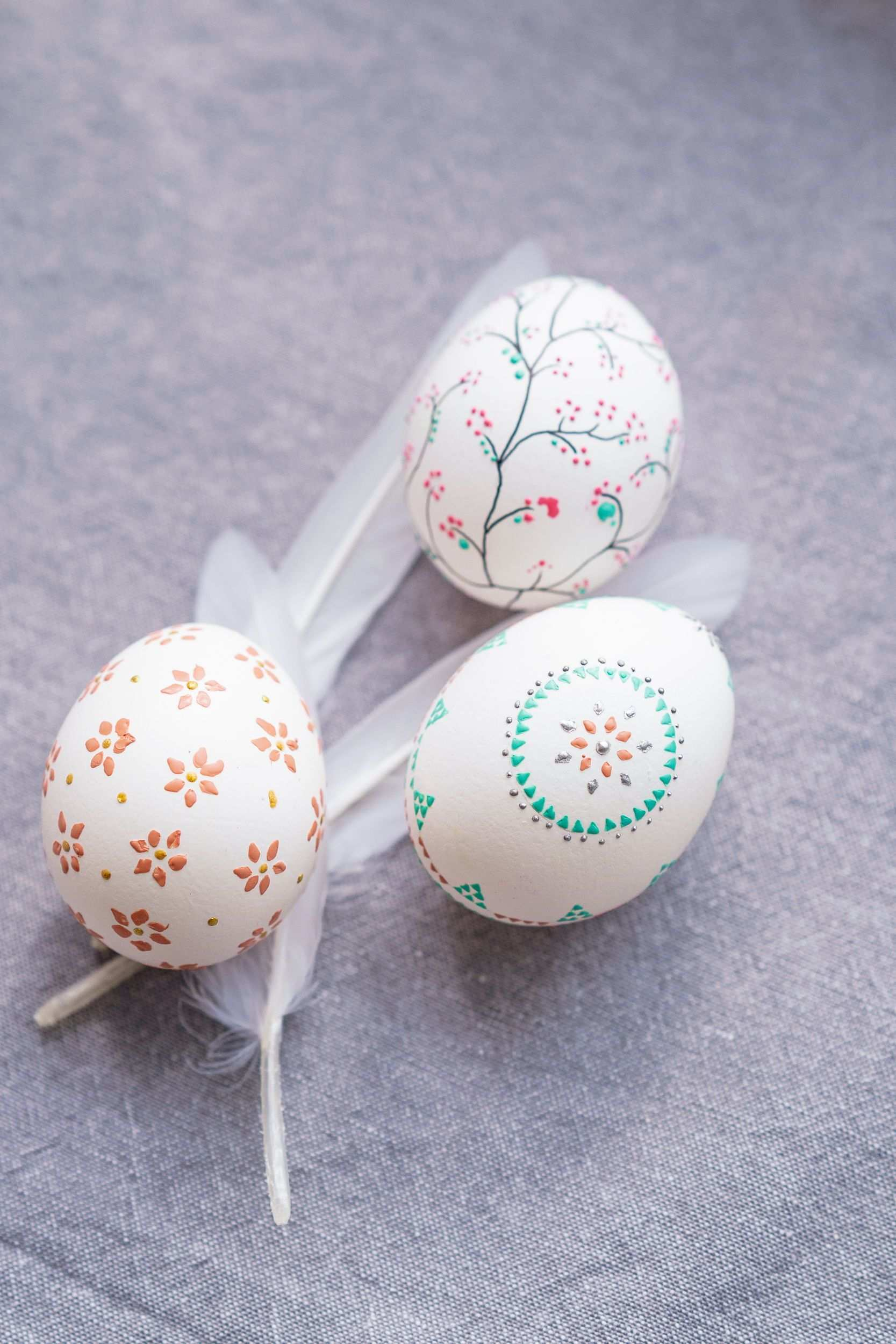 Easter Diy Decorating Easter Eggs With Beeswax Easter Egg Decorating Creative Easter Eggs Easter Diy