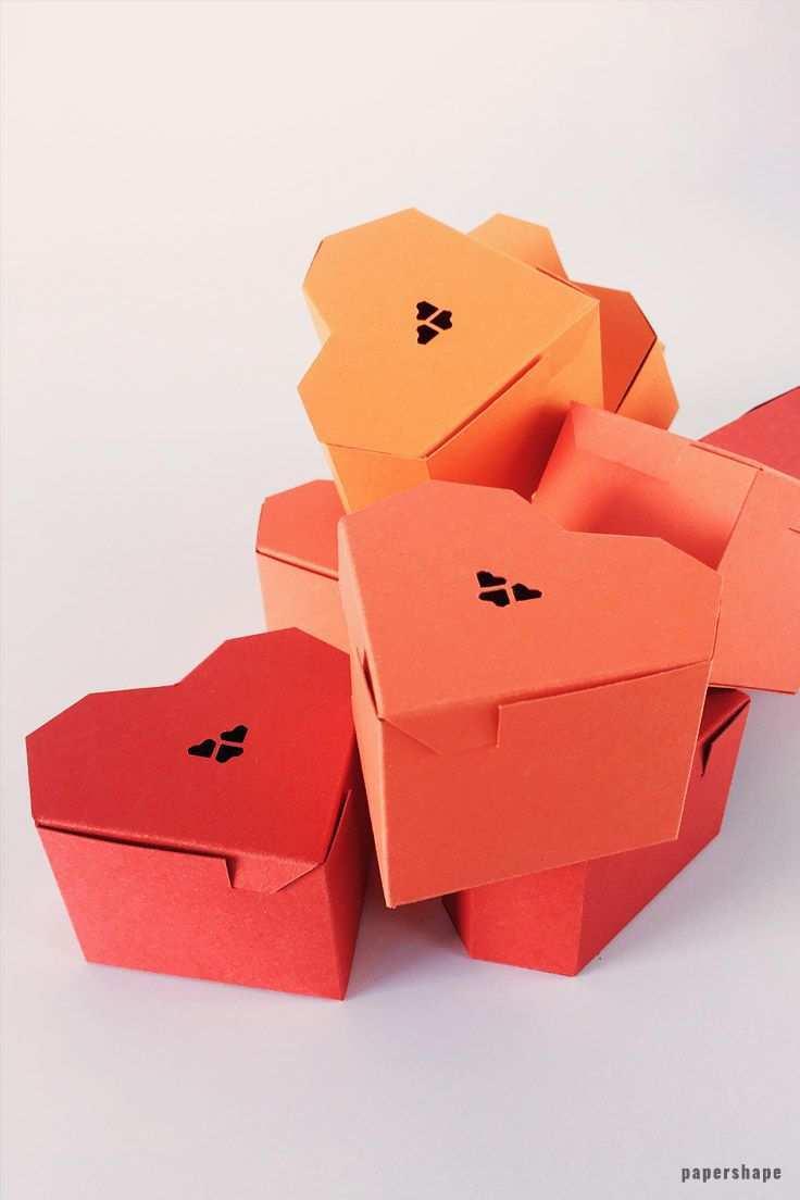 Herzschachtel Selber Basteln Mit Papier Kostenlose Vorlage Heart Gift Box Heart Gifts Easy Paper Crafts