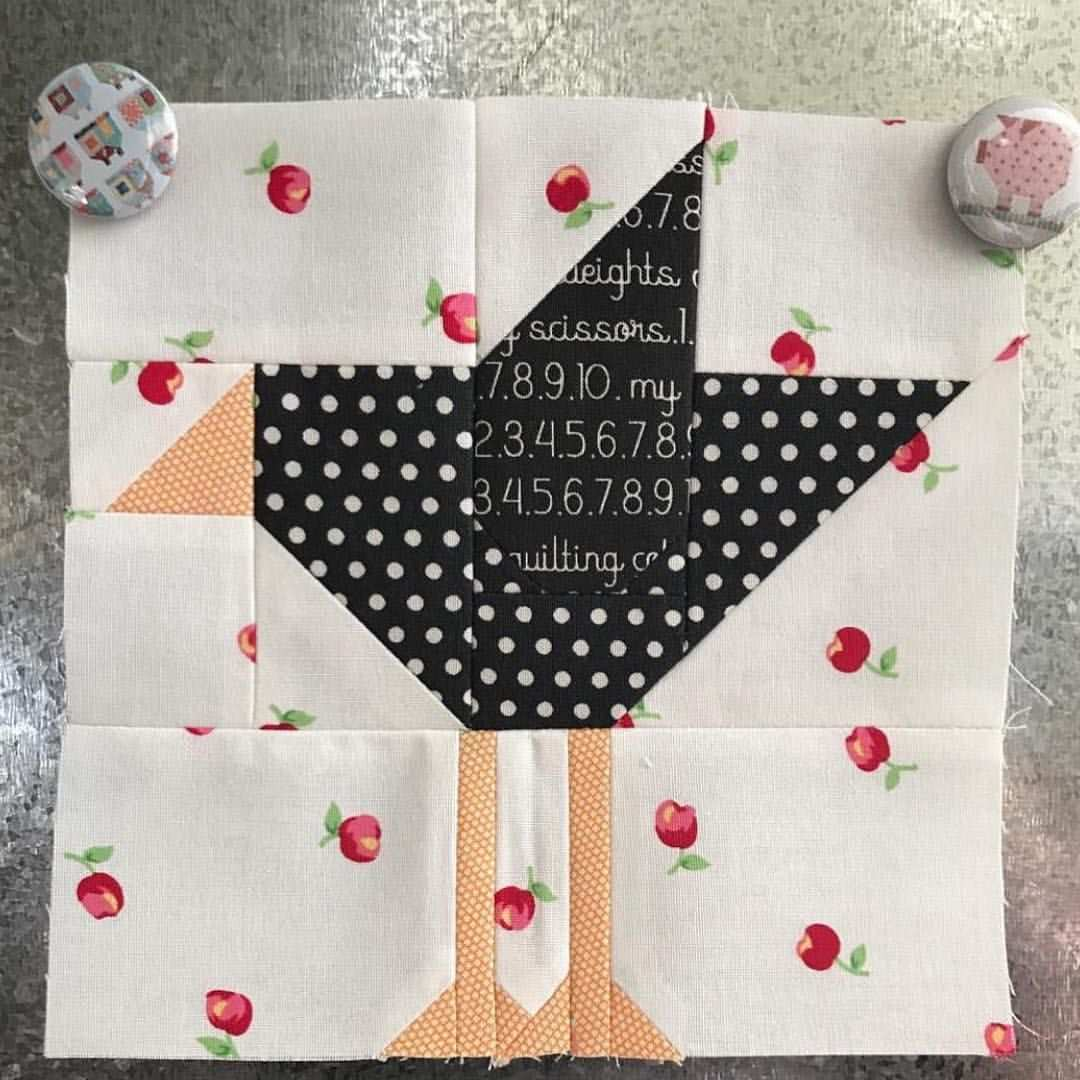 1 724 Likes 33 Comments Beelori1 On Instagram I Super Love This Crow Block Made By Debraly Bird Quilt Blocks Quilt Block Patterns Paper Piecing Quilts