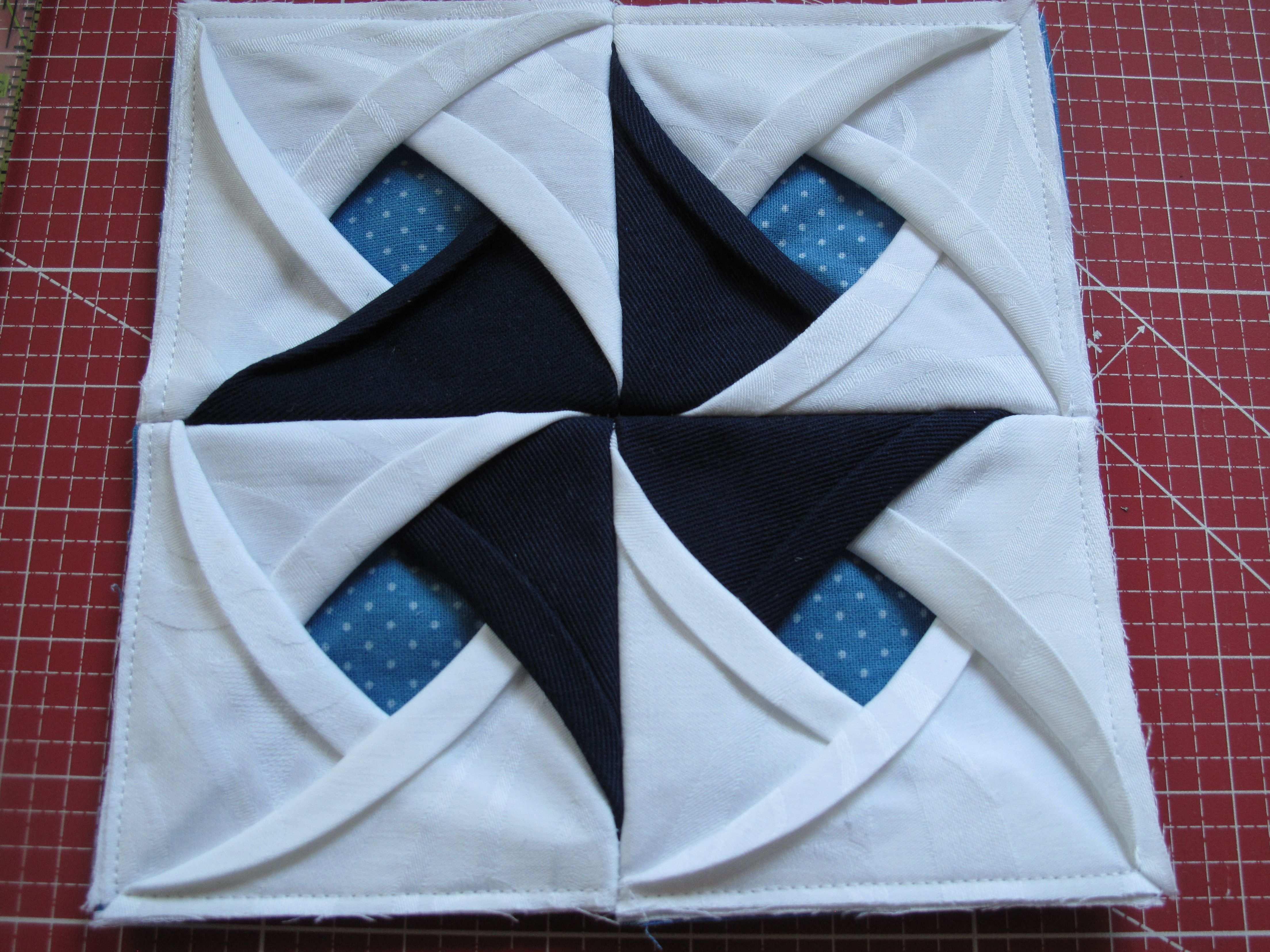 Patchwork Block Cathedral Windows Windmuhle Nahanleitung Stoff Und Zwirn Patchwork Anleitung Quilten Anleitung Quiltblocke Einfach