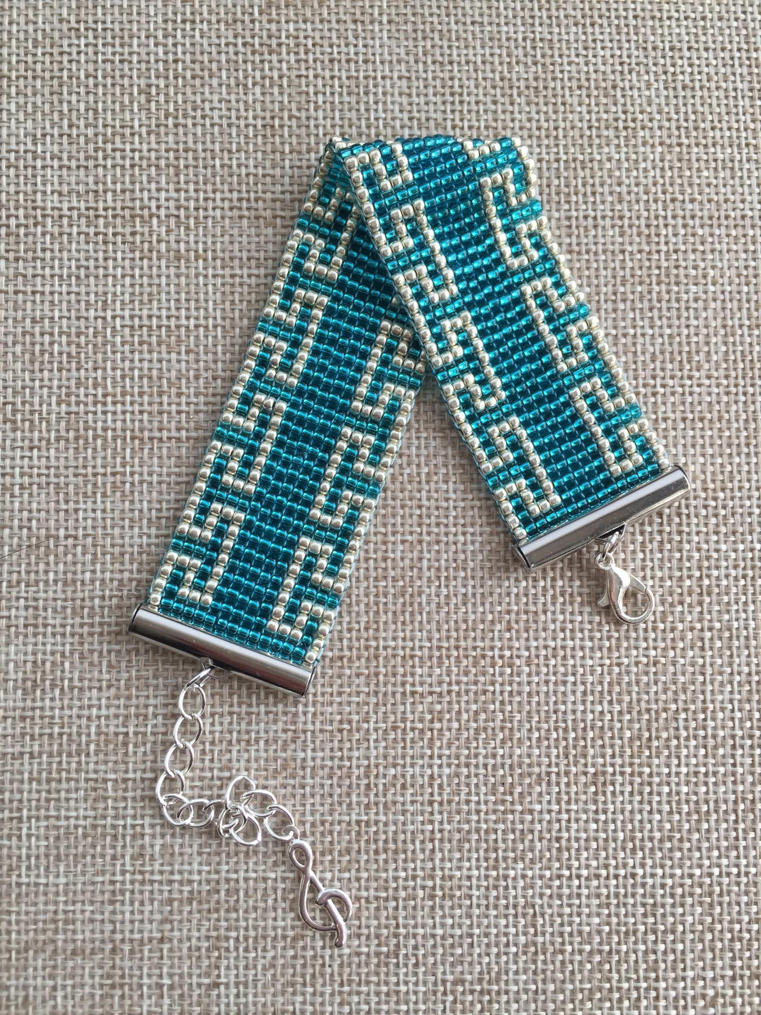 This Pin Was Discovered By Elz Weben Mit Perlen Perlenweberei Perlenweben