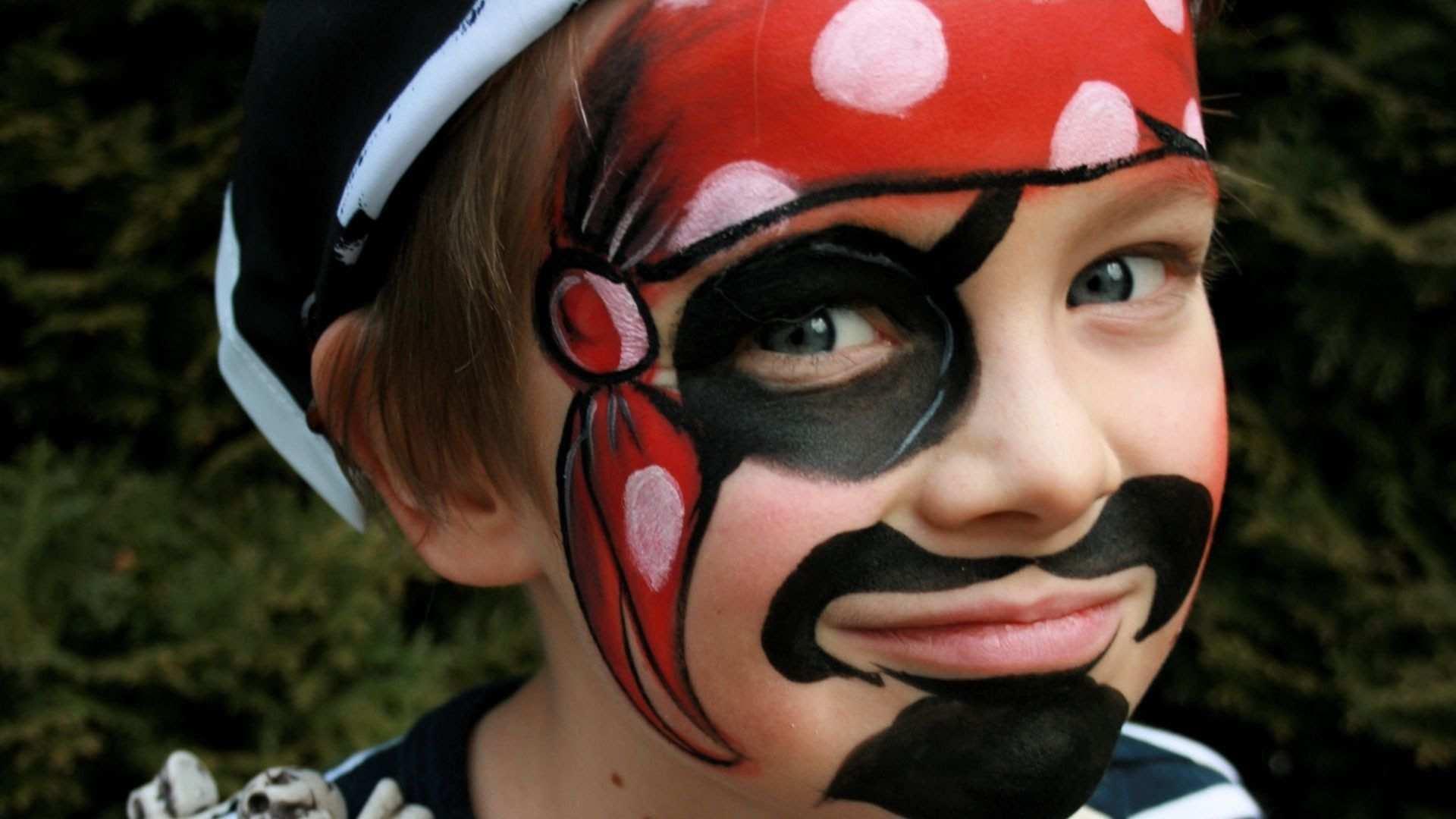 Pirate Face Painting Tutorial Pirate Makeup Pirate Face Pirate Face Paintings Face Painting