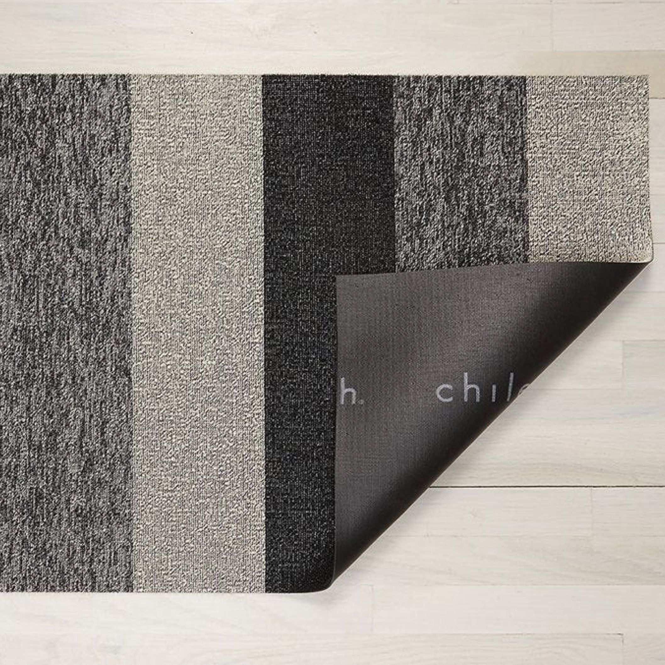 Chilewich Indoor Outdoor 24 X 36 Marmorstreifen Salz Pfeffer In 2020 Indoor Outdoor Outdoor Marmor