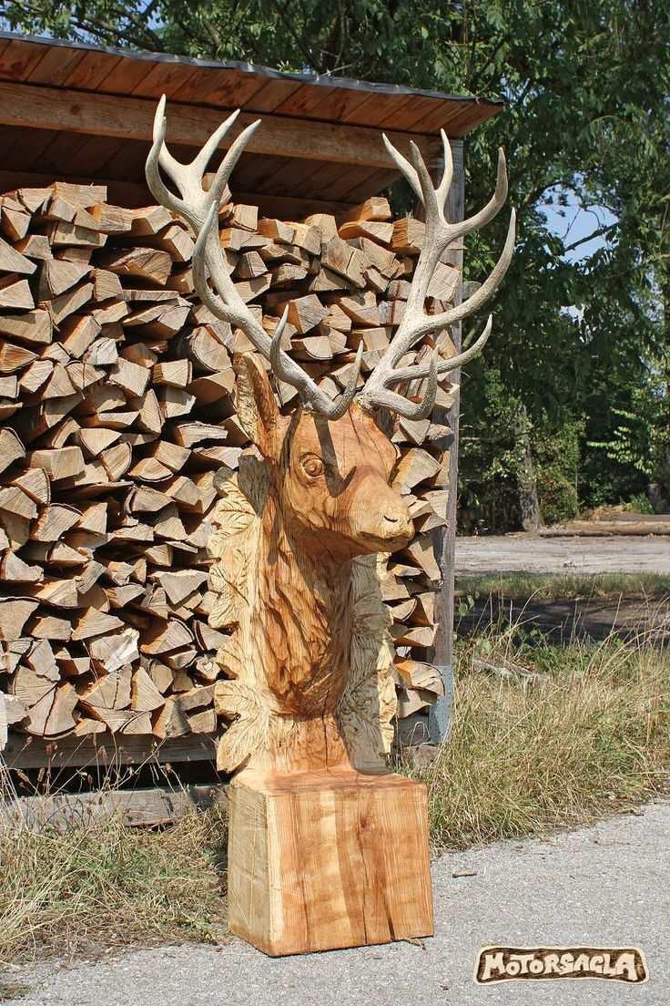 Hirsch Deer Hirsch Motorsagla In 2020 Holz Schnitzen Kettensagenschnitzen Baum Schnitzen
