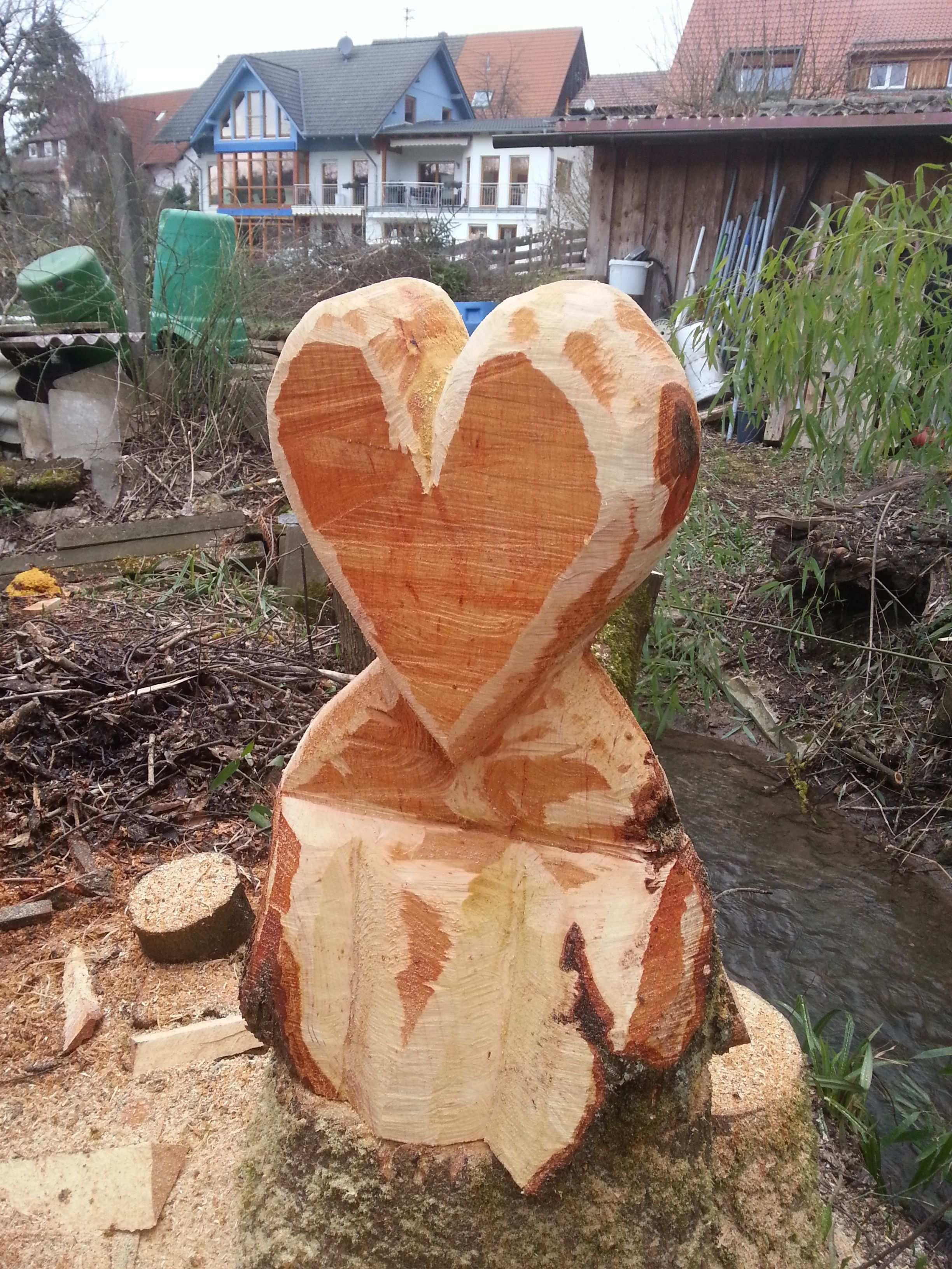 Holz Herz Holz Herz Schnitzen Mit Der Kettensage Baum Schnitzen