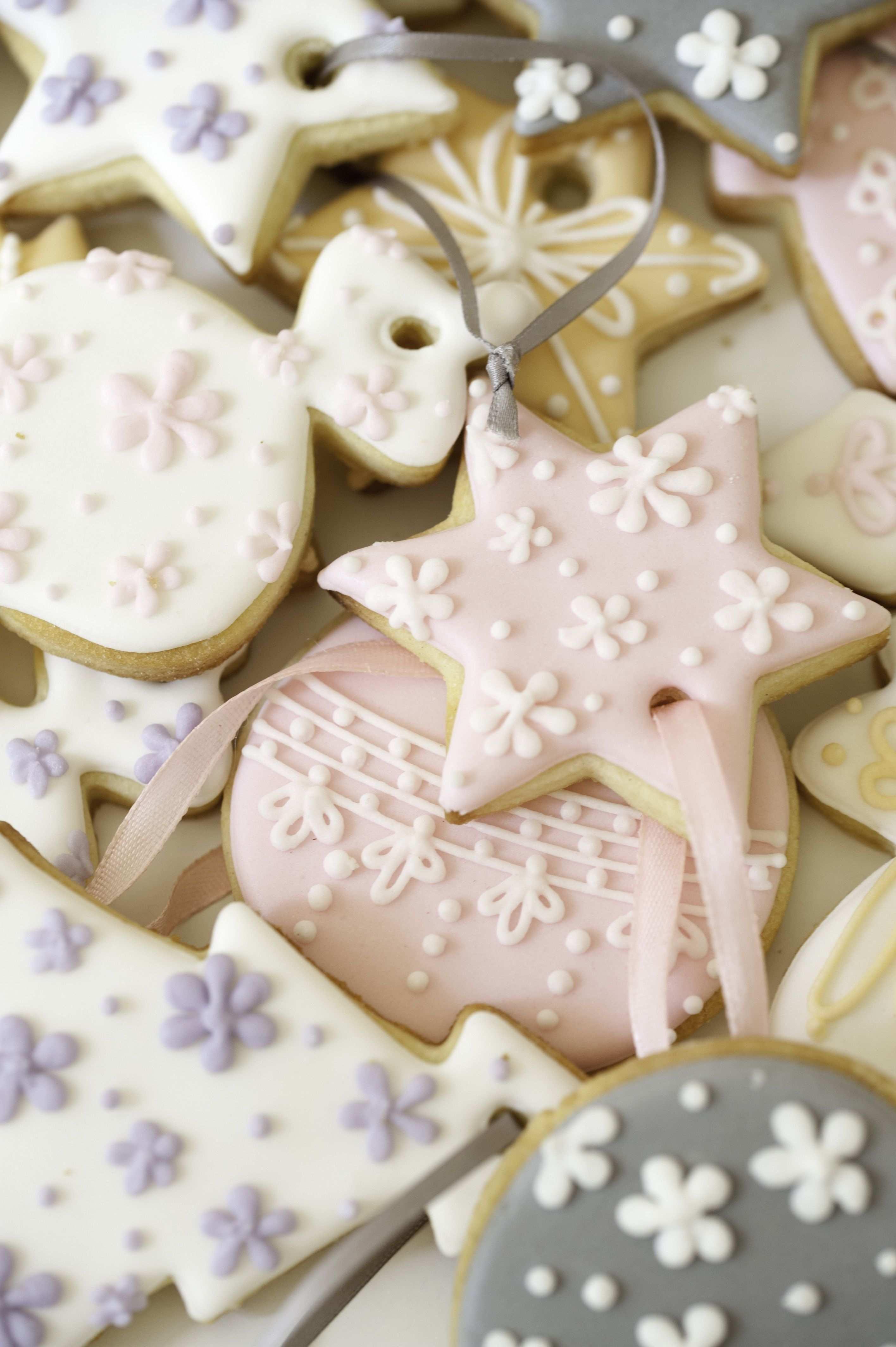 Die Backbox Weihnachtszauber Von Mein Keksdesign Enthalt Alles Was Du Zum Verzieren Von Zauberhaften Weihn Weihnachts Snacks Verzierte Kekse Platzchen Backen