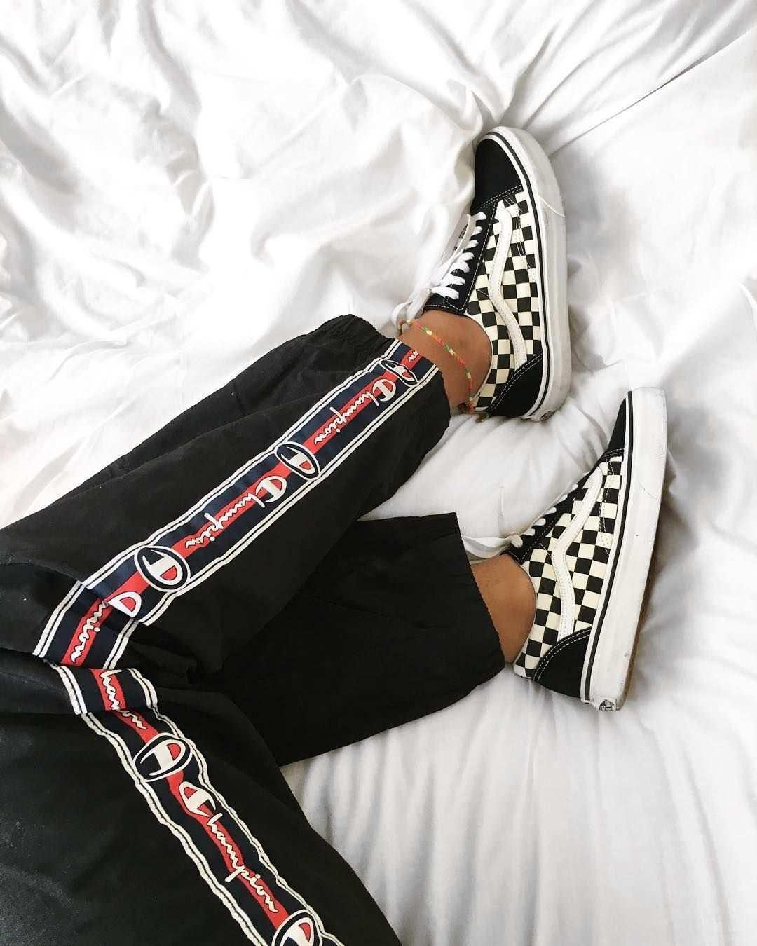 Vans Old Skool Checkerboard Vor 10 Jahren Konnte Uns Kaum Ein Style So Begeistern Wie Das Checkerboard Muster Von Vans Vans Old Skool Modestil Vans Schuhe