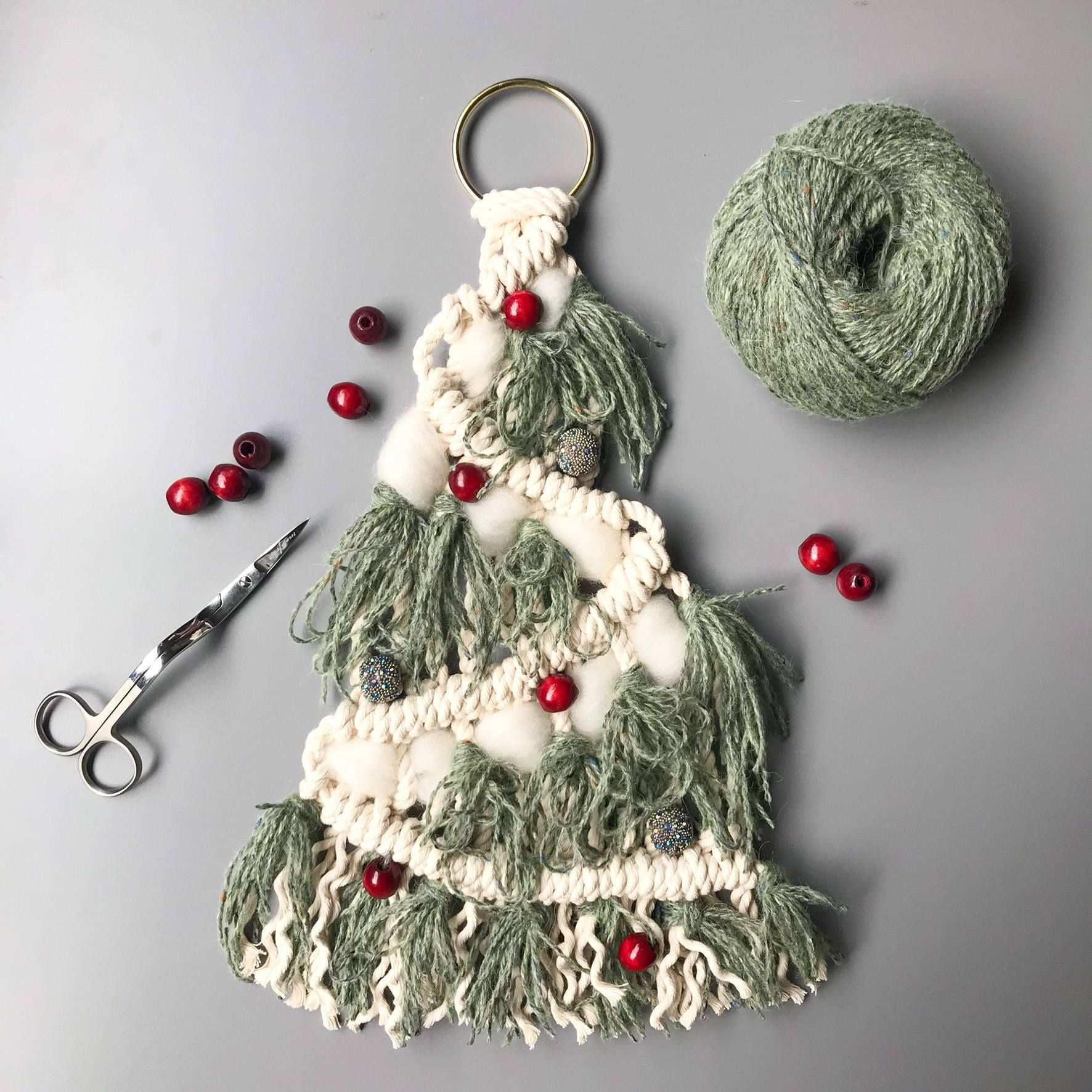 Hangendes Makramee Weihnachtsbaum Muster Anfanger Diy Projekt Perfekt Fur Ihre O Macrame Patterns Christmas Tree Pattern Macrame Wall Hanging Patterns