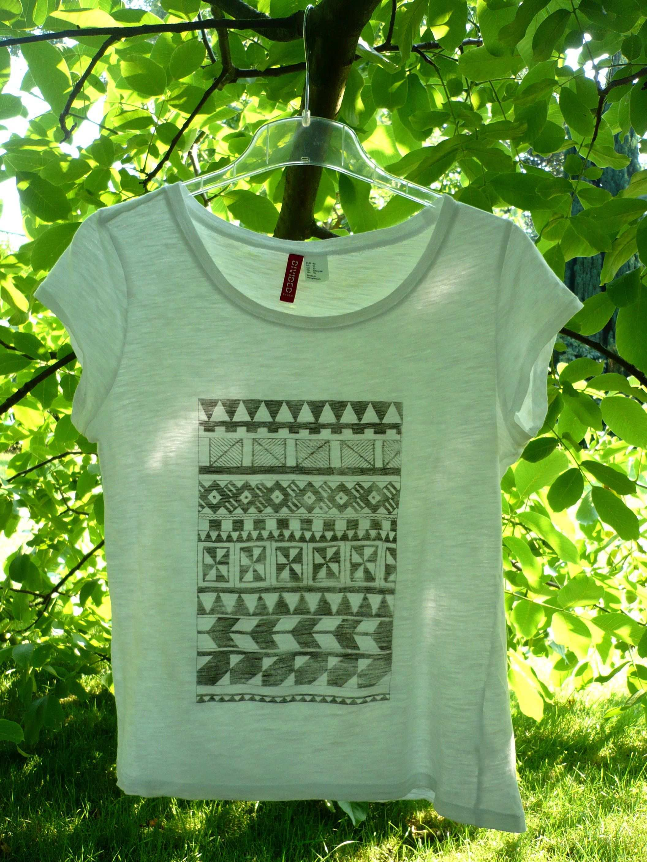 Ein T Shirt Im Ethno Stil Bedrucken Handmade Kultur Ethno Stil Shirts Bedrucken