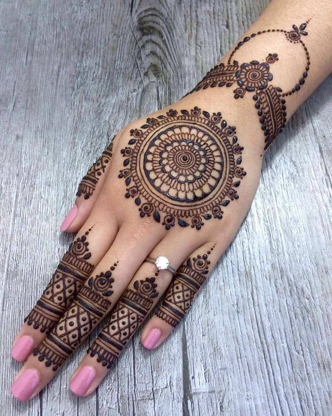 14 3k Likes 19 Comments Daily Henna Inspiration Hennainspo On Instagram Love This Clas Henna Tattoo Kit Mehndi Designs For Hands Latest Mehndi Designs